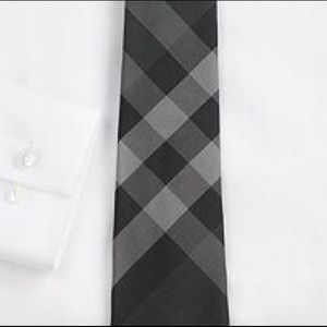 RARE Auth. BURBERRY thin Black/Grey Novacheck Tie